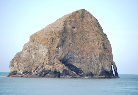 haystack rock pacific city oregon